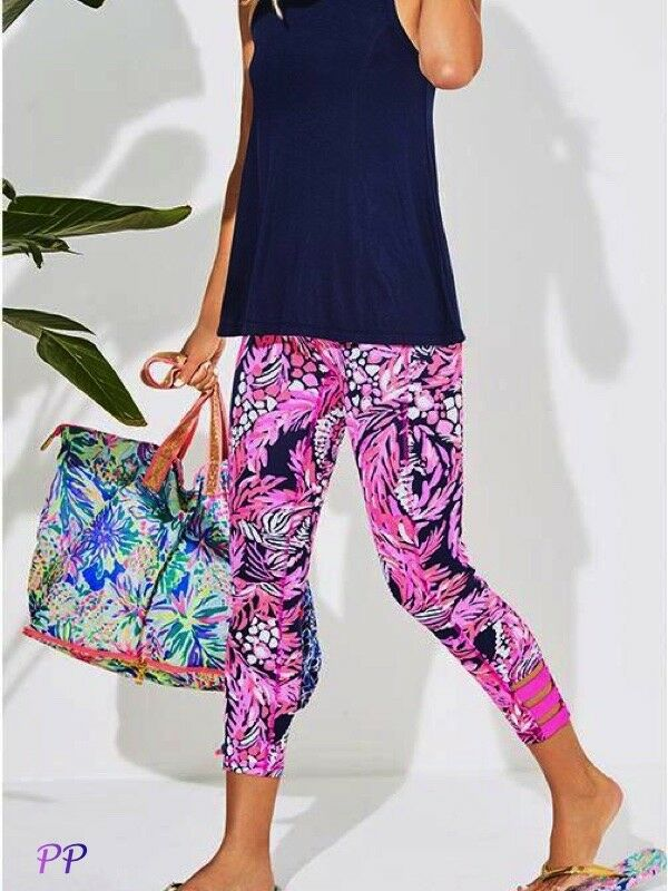 NWT LILLY PULITZER UPF 50+ LUXLETIC WEEKENDER CROP LEGGING A JUNGLE IN HERE XXS