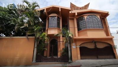 Edificio en Venta Ubicado en Tlaltenango. Cuernavaca, Morelos ideal para oficinas, escuela 8103