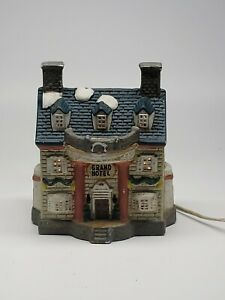 Christmas-ceramic-Grand-Hotel-village-1994-Collection-w-Light-RETAILER