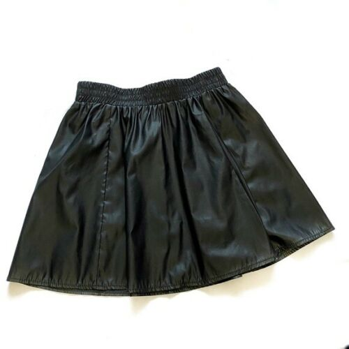 Forever 21 faux leather mini skater skirts black c