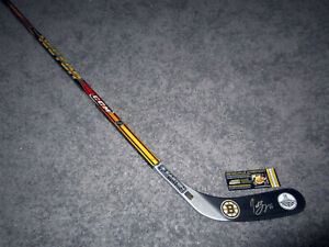 PATRICE BERGERON Boston Bruins SIGNED Autographed Hockey Stick w/COA Stanley Cup