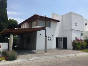 Casa en Venta y Renta Lomas del Campanario II, Querétaro
