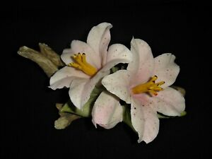 Vintage Capodimonte Porcelain Of Two Pale Pink Lily Flowers On A