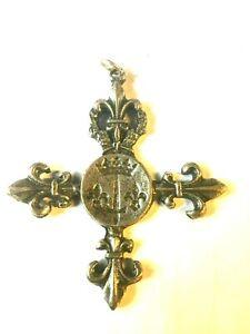 Croix-fleurs-de-lys-034-armoiries-de-Jeanne-d-039-Arc-034-argente
