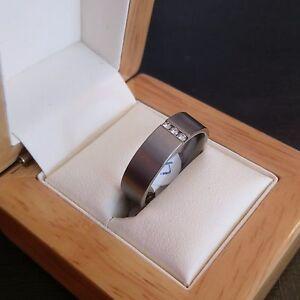 REDUCED-Ladies-Titanium-Ring-with-Three-Genuine-Natural-Diamonds-Size-M