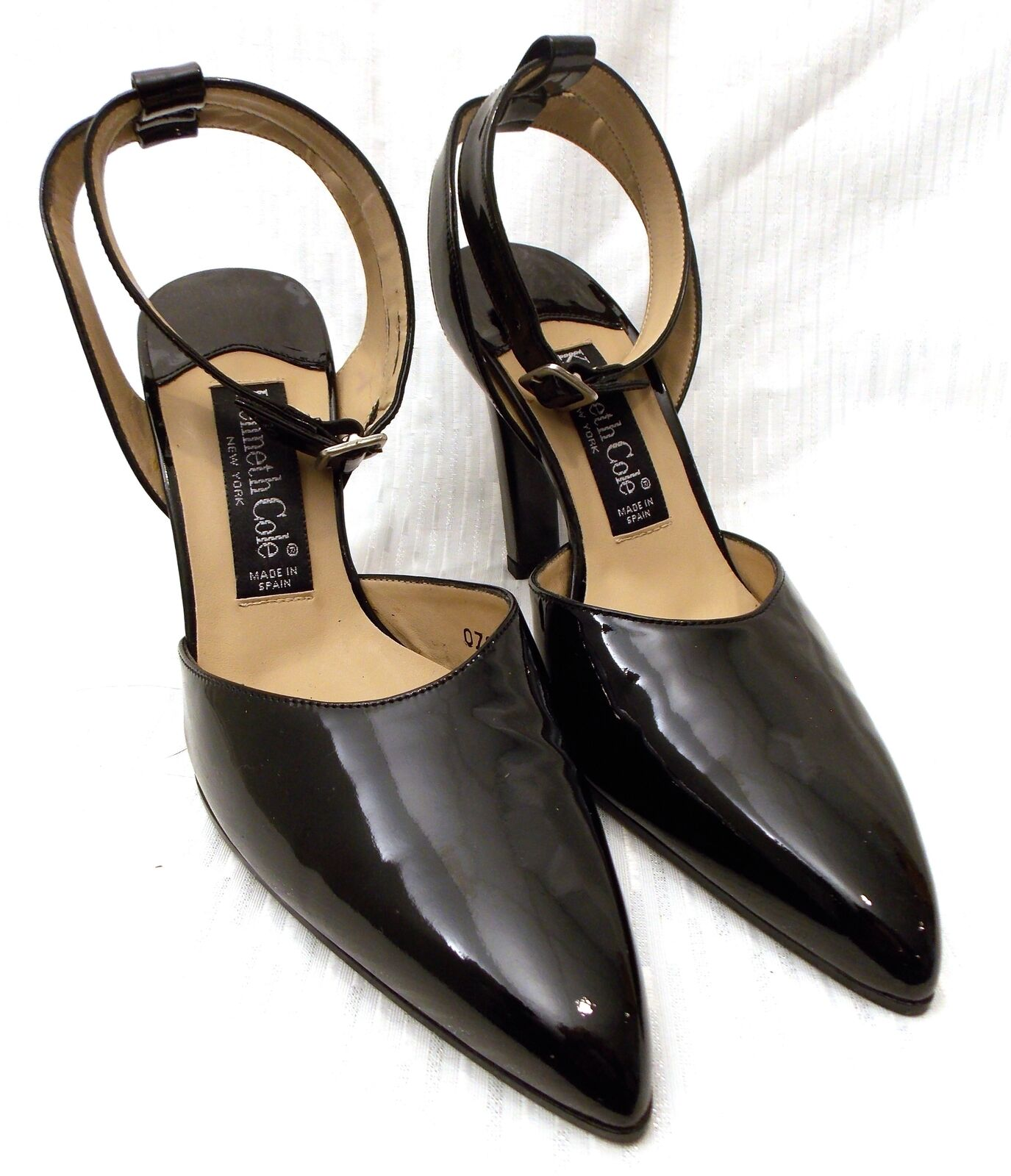 ELEGANT KENNETH COLE BLACK PATENT LEATHER ANKLE STRAP 4 HEELS WOMENS SIZE 7