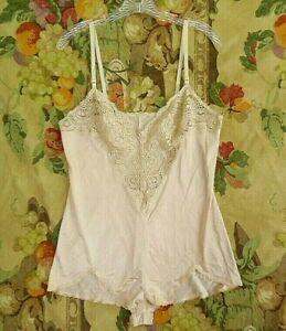 Womens Lingerie Apparel Size 34 White Vassarette Lace Bust with Adjustable Straps Vintage Ladies Camisole Undergarment Slip