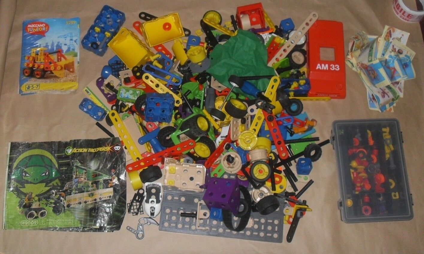 Vintage Plastic Meccano action troopers 9009 + other set Pieces