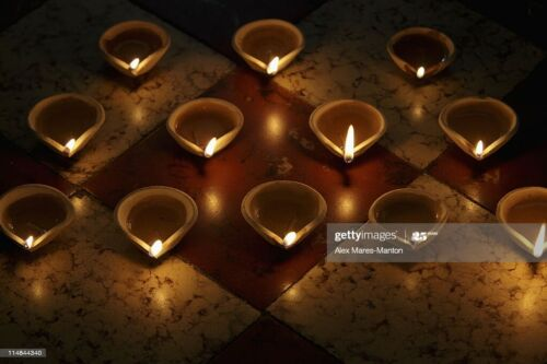 Traditional Handmade Clay Oil Lamp with 10 Pcs Cotton Wicks Home Functions Decor
