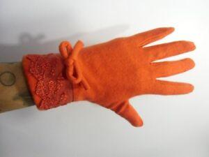 Gants-oranges-hiver-femme-laine-chauds-finition-dentelle-et-noeud-retro-vintage