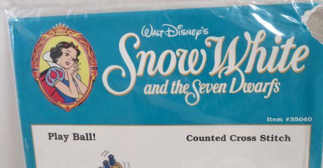 Walt Disney Snow White /& Seven 7 Dwarfs Cross Stitch Baseball #35040