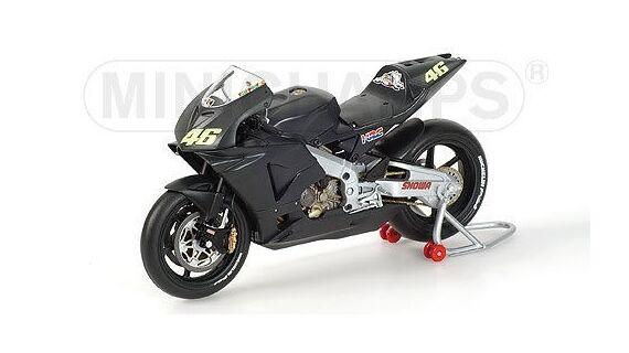 Minichamps Honda RC211V 2002 1 12  46 Valentino Rossi (ITA) Pre-season Test Bike