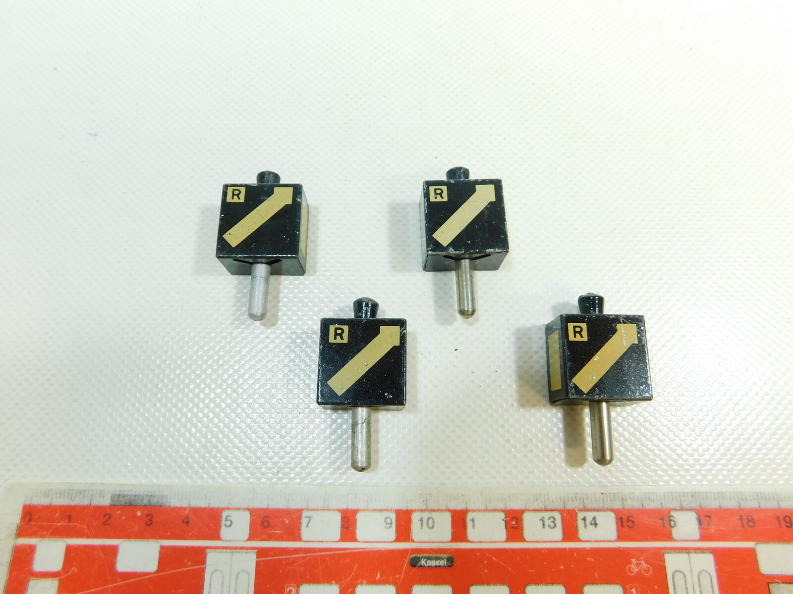 BR908-0,5x Märklin Spur 0 1 Blech-Laternenimitat für rechte Weiche E-Weiche