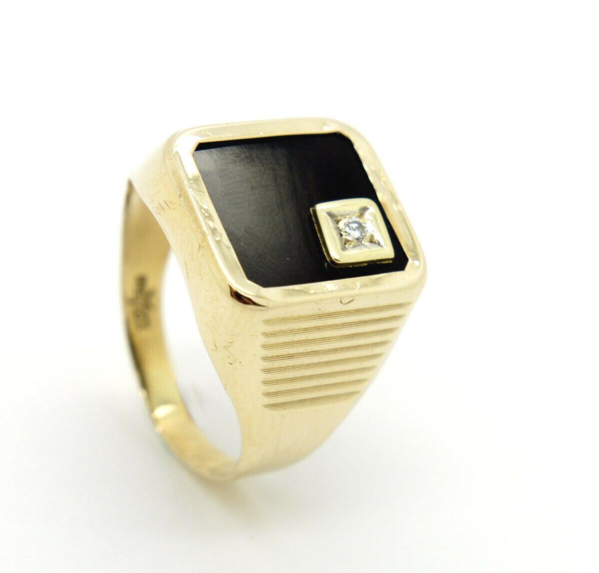 Men Ring Signet Ring Onyx 8 Carat Yellow gold 0.1oz Gr. 61