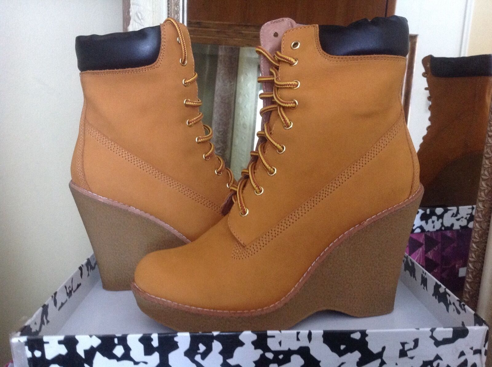 Jeffrey Campbell Baylor Wheat Leather Lace Up Womens Wedge Boot 9.5M MSRP  195