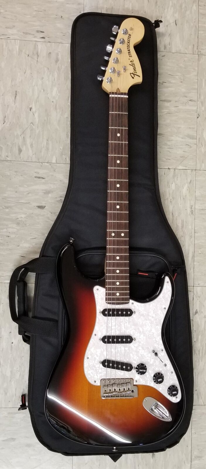 2011-12 USA FENDER American Special STRATOCASTER HSS & Case