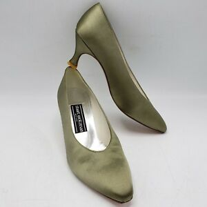 f7240b13a6f Image is loading Vintage-Stuart-Weitzman-Italy-Made-Womens-Silver-Pump-