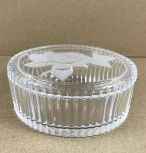 Vintage Clear Oval Ribbed Trinket Box with Embossed Frosted Roses Cristal/'s d/' Arques