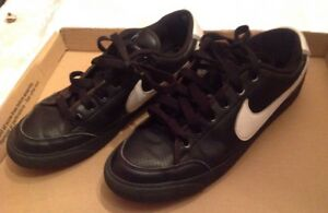 2009-Nike-Court-Low-Black-White-Shoes-344143-011-Size-9-102