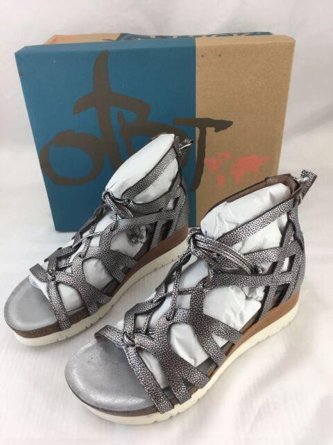 b30b2c922e2e1d OTBT Escapade Gladiator Sandals Womens 7 Metallic Silver Leather Wedge MO70   140