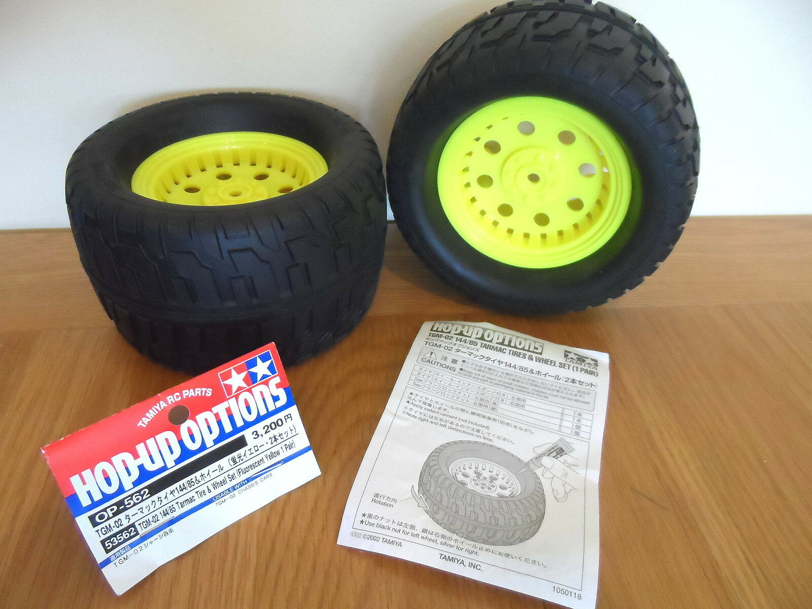 New Tamiya 144 85 Tarmac Wheels & Tyres(Pair)Flourescent Yellow For TGM-02 53562