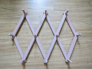Vtg.1950's Primitive Coat Hat Rack Wood Accordion Scissor Expandable Shabby