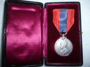 Imperial-Service-Medal-George-V-in-case-to-Engineer-H-M-Dockyard-Portsmouth