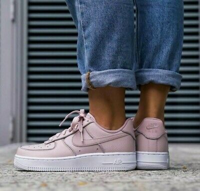 Damen Nike Air Force 1 Lo Größe 9.5 EUR 44.5 (at0073 600) Partikel RoseGlitzer | eBay