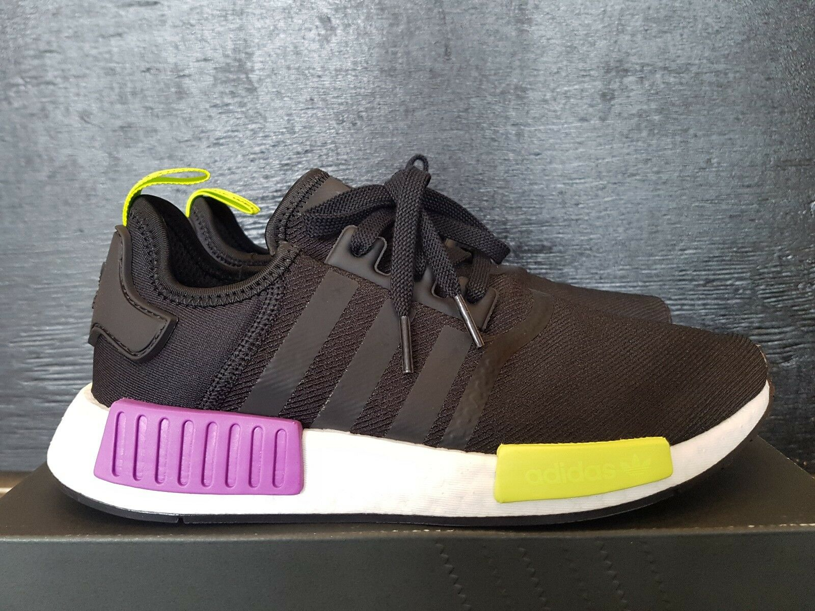 NEW IN THE BOX ADIDAS NMD_R1 D96627 BLACK SHOES FOR MEN