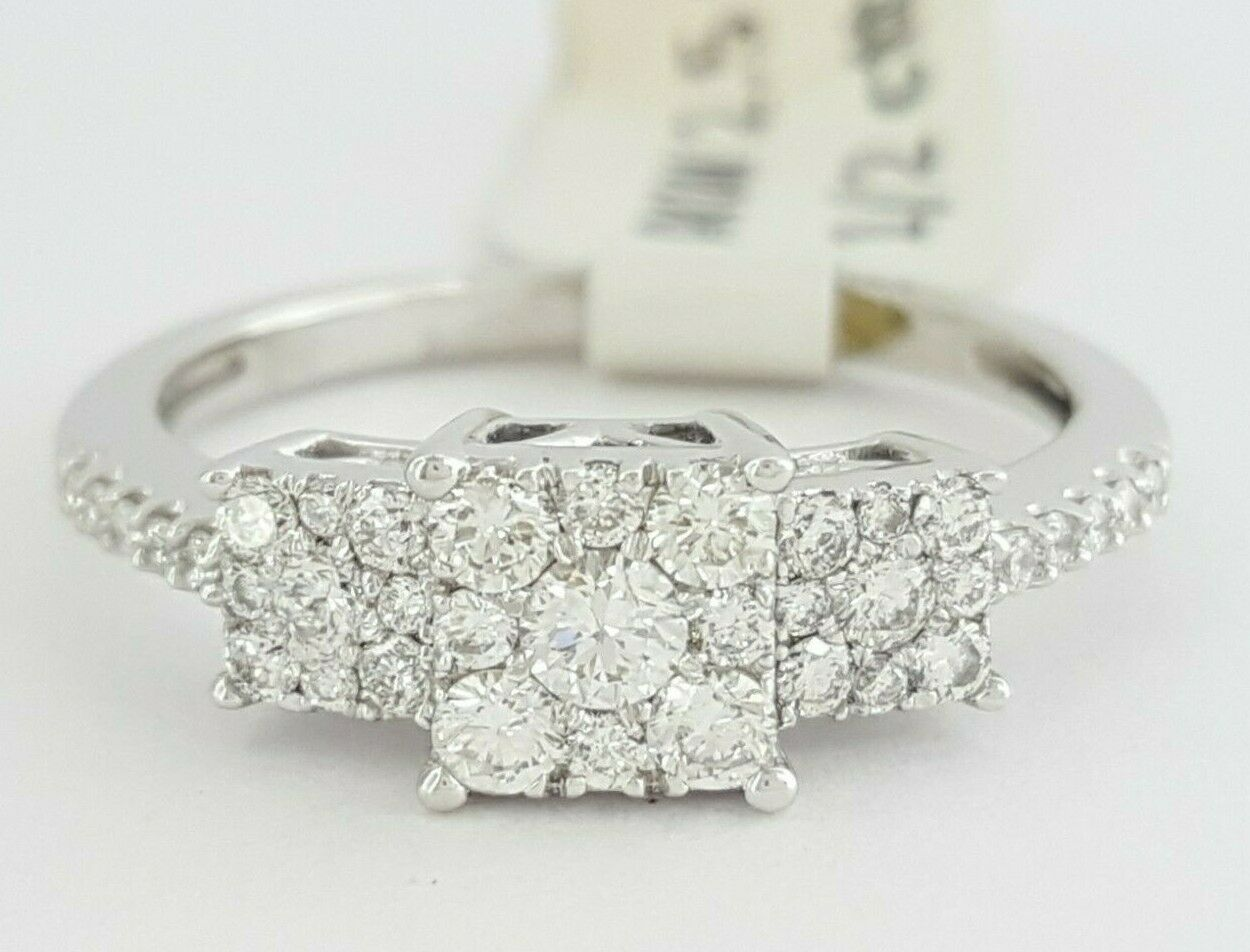 0.50 ct 14K White gold Round Diamond Cluster Halo Engagement   Fashion Ring 2.5g