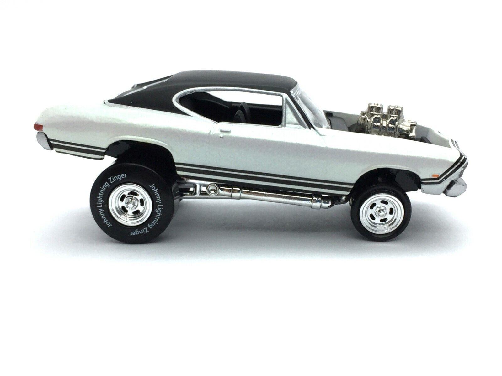 Johnny Lightning mordaces Street Freaks 1968 68 Chevrolet Chevelle SS Die Cast 1 64