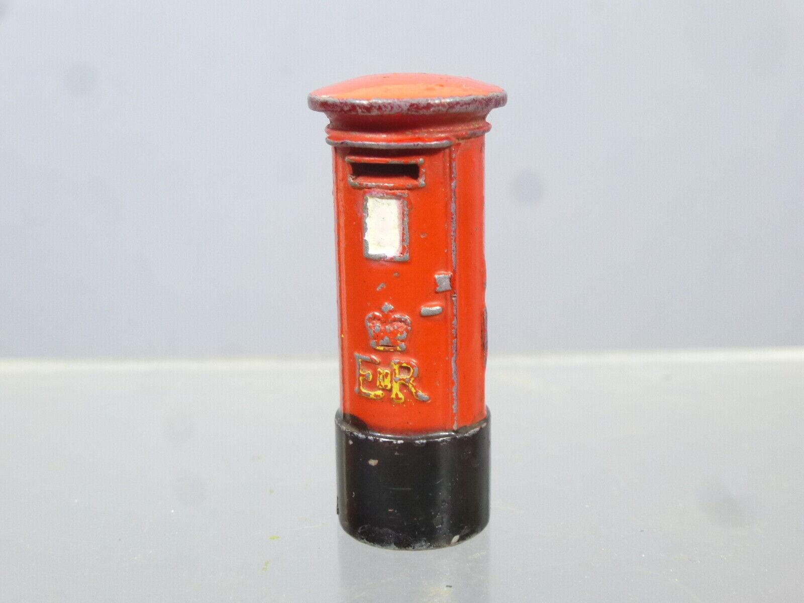 DINKY MODEL No.760 BRITISH ROYAL MAIL rot POST PILLAR BOX  E II R   VERSION