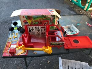 NICE-Vintage-1971-BIG-JIM-Action-Figure-Rescue-Rig-With-Box-Made-by-Mattel