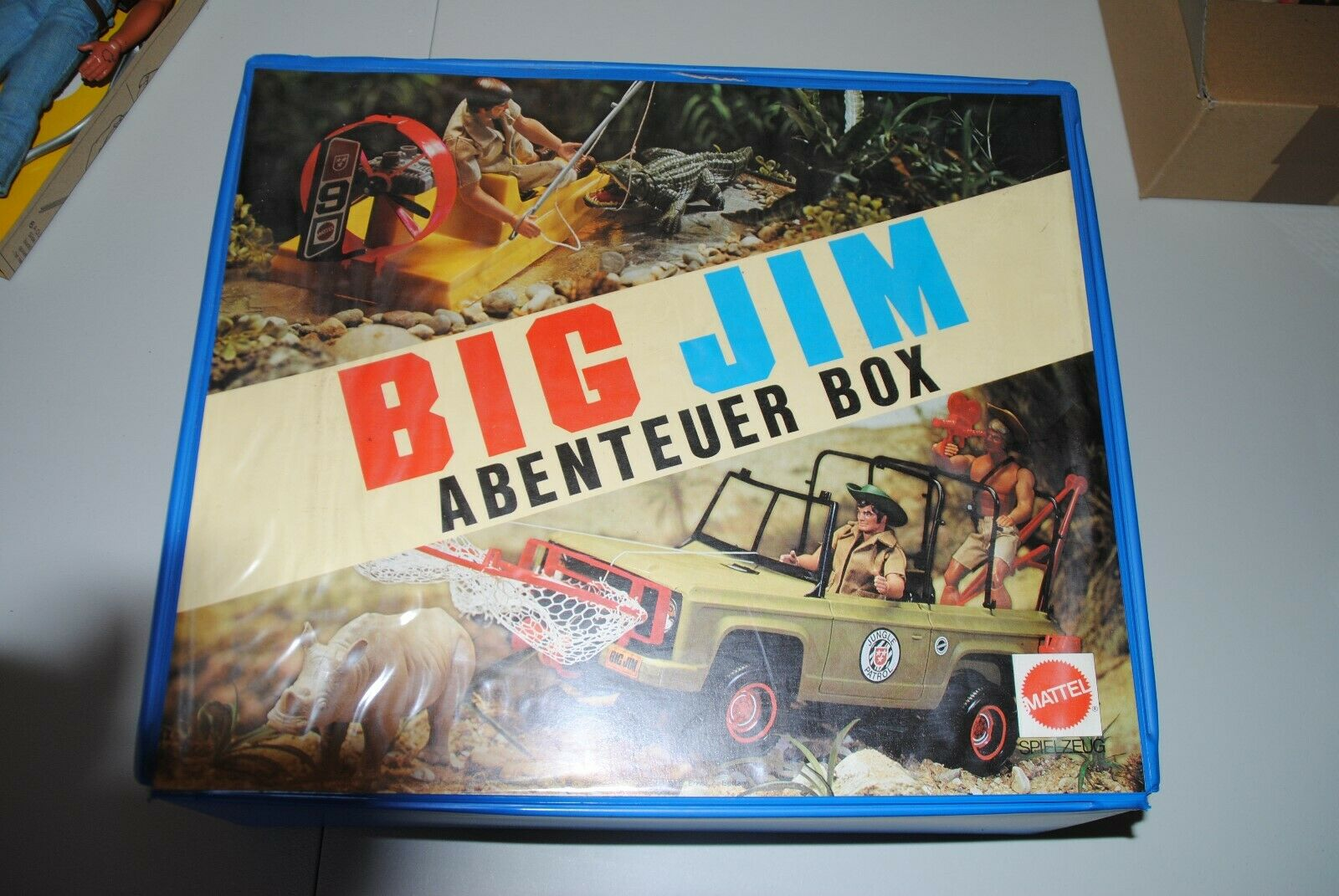 BIG JIM MATTEL     CARRY ON CASE   STORE AWAY BOX  ,NICE    2