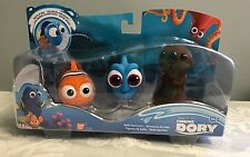Finding Dory Bath Squirter Brand New  Disney Pixar Little Dory Nemo Sea Otter
