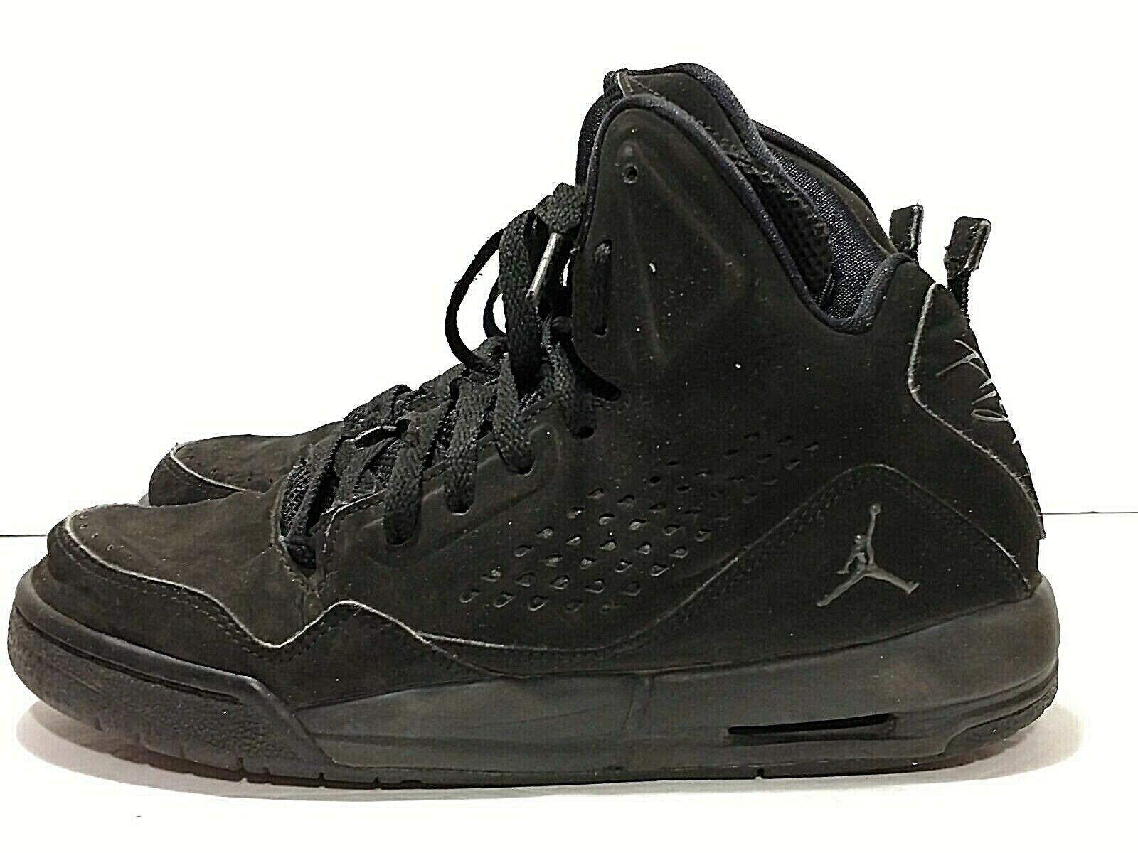 Boys AIR JORDAN Shoes Youth Size 6Y