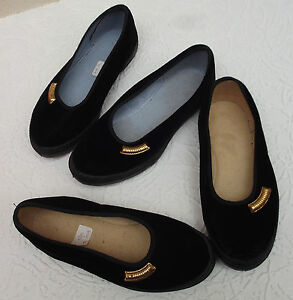 Vintage-girls-velvet-slippers-UNUSED-Dance-rehearsal-Gym-shoes-school-uniform