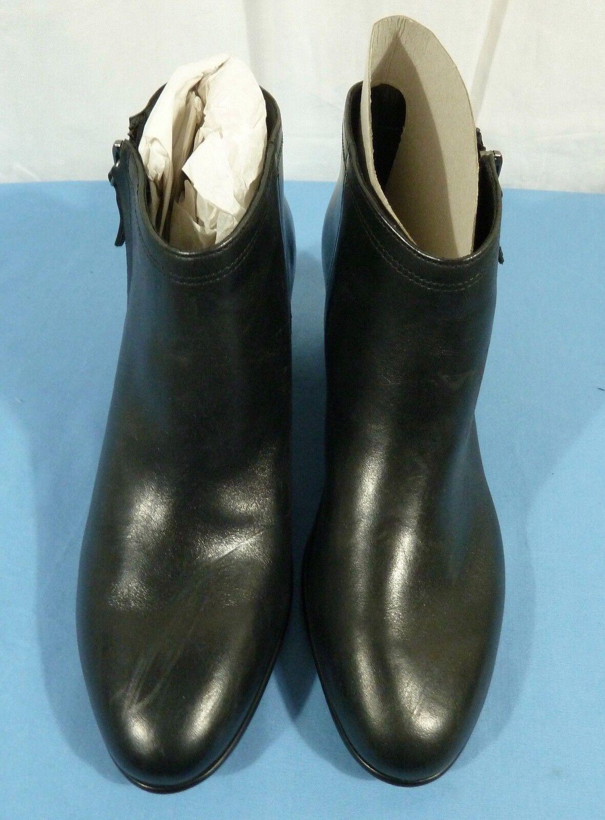 CLARKS Women's Maypearl Alice Ankle Bootie Size US 9
