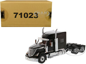 INTERNATIONAL-LONESTAR-SLEEPER-CAB-TRUCK-BLACK-1-50-MODEL-DIECAST-MASTERS-71023