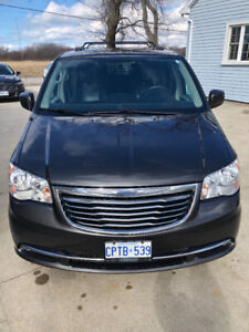 2016 Chrysler Town & Country 90th Anniversary