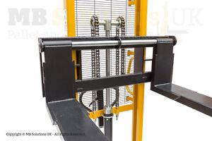 Manual Pallet Lifter  Warehouse  Stacker 1500kg  1.6m Moveable Forks Vat Inc.
