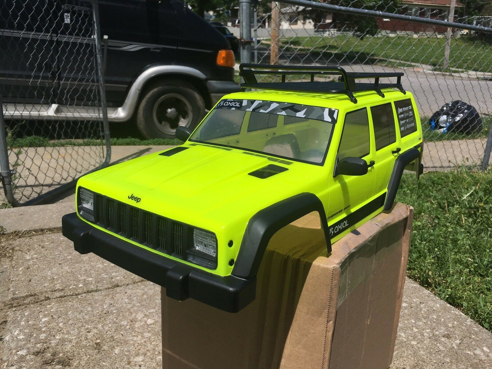 Axial SCX10 Cherokee Pro Painted Body