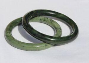 Lot Of 2 Cinese Verde Nephrite Giada Bracciale Rigido Braccialetti