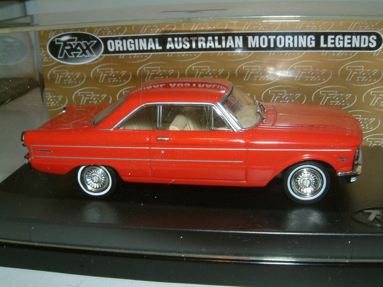 1 43 TRAX 1965 FORD XP FALCON FUTURA HARDTOP IN rot . AUSTRALIA TG