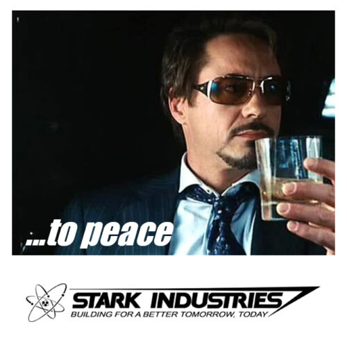 Iron Man Tony Stark Industries Marvel the avengers Thor Hulk blu ray Tee T Shirt