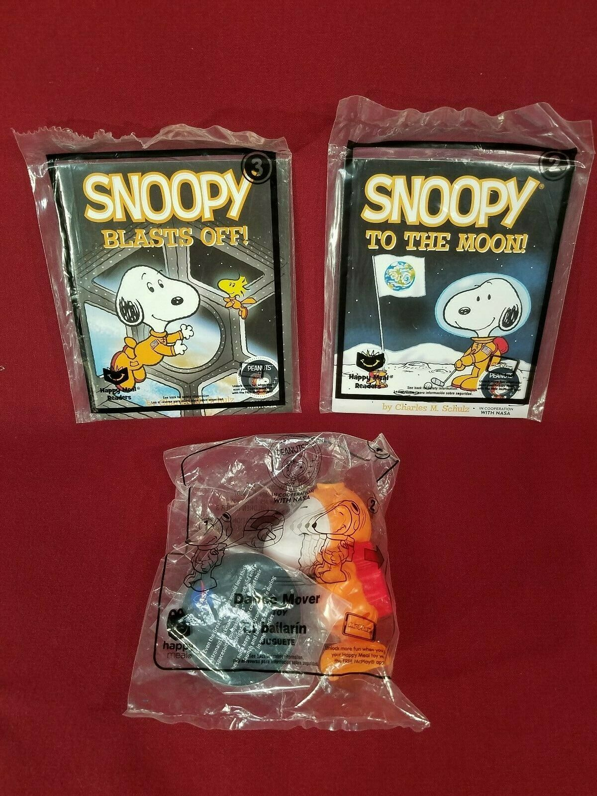 Book New 2019 McDonald/'s Happy Meal Toy #2 New Snoopy Nasa Snoopy To The Moon