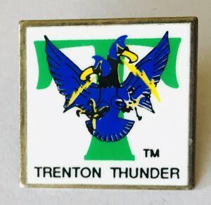 Trenton-Thunder-Baseball-Team-Pin-Badge-Rare-Vintage-C15