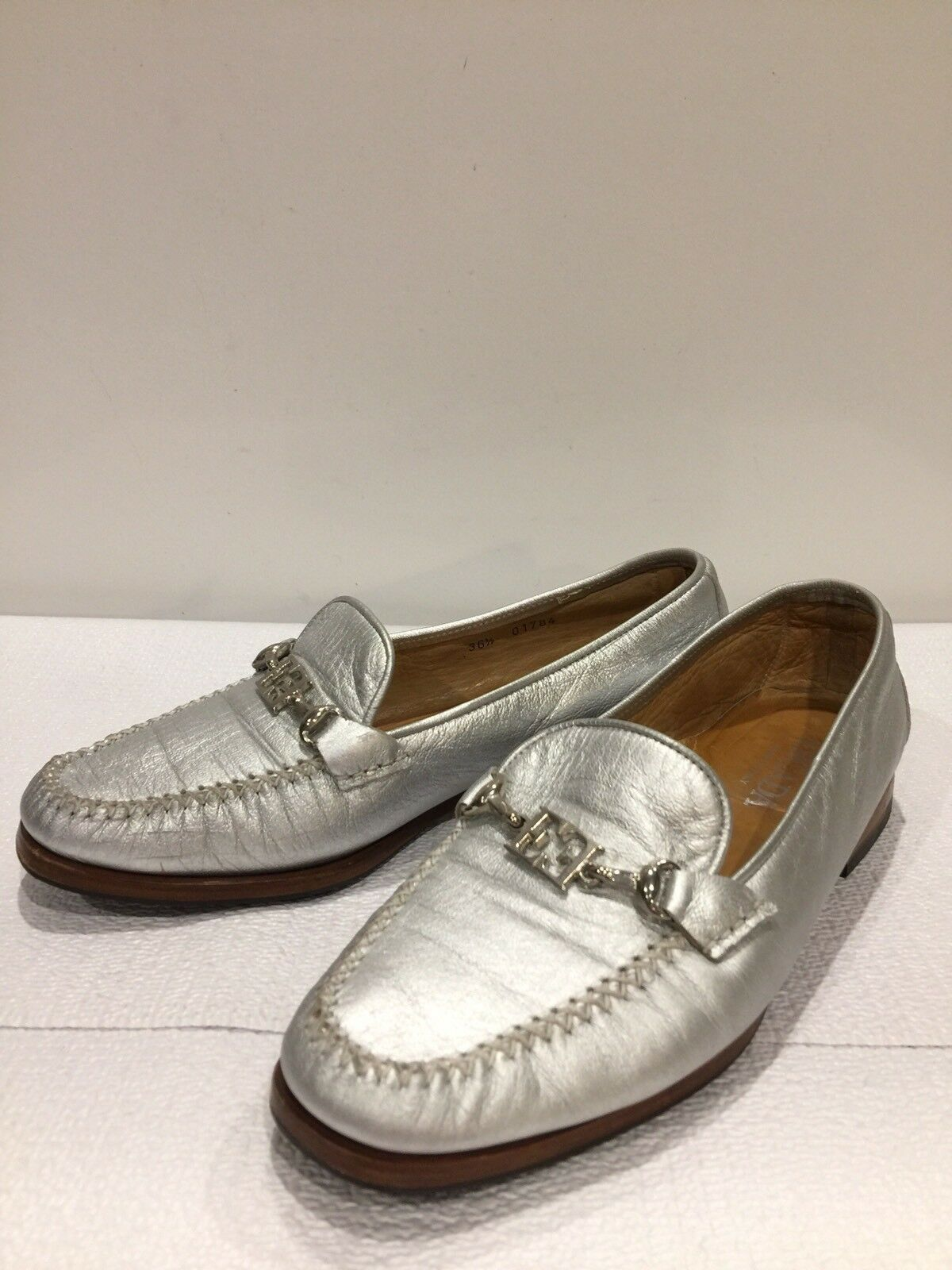 Escada Silver Leder Logo Loafers Schuhes Moccasins, Größe 36.5, 6.5 US
