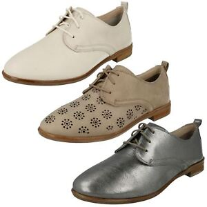 Kleidung & Accessoires Ladies Clarks Alania Posey Lace Up Casual Shoes