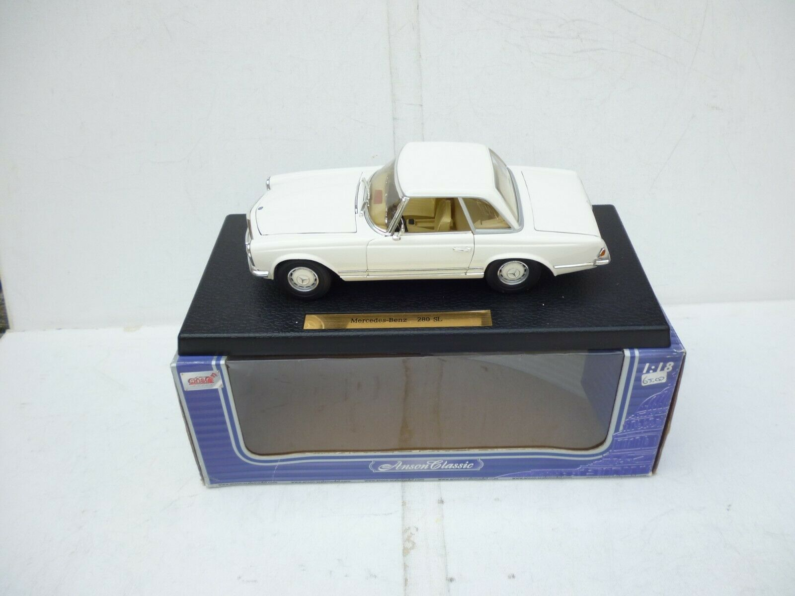 ANSON 1 18 MERCEDES BENZ 280 SL  IN WEIB Weiß Topp CONDITION M BOX